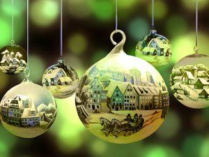 Wir wünschen Ihnen schöne Feiertage